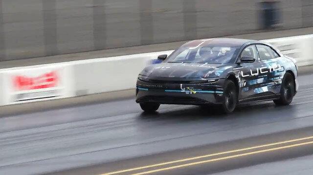 Tesla'ya yeni rakip Lucid: Tek şarjla 800 km gidebiliyor
