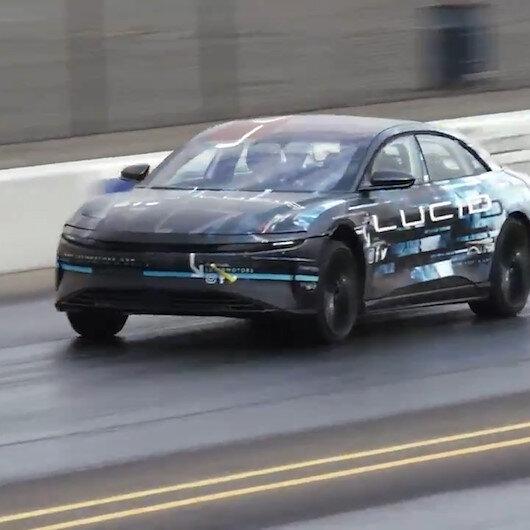 Teslaya yeni rakip Lucid: Tek şarjla 800 km gidebiliyor