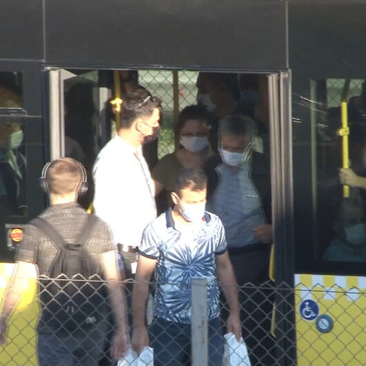 İstanbulda toplu taşımada yoğunluk kamerada
