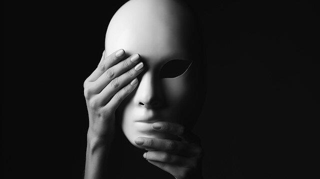 Maskeli hayat