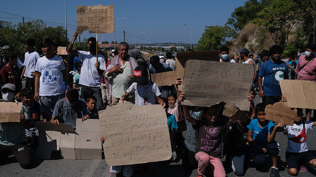 Yunanistan'da sığınmacılar kamplardaki kötü yaşam koşullarını protesto etti