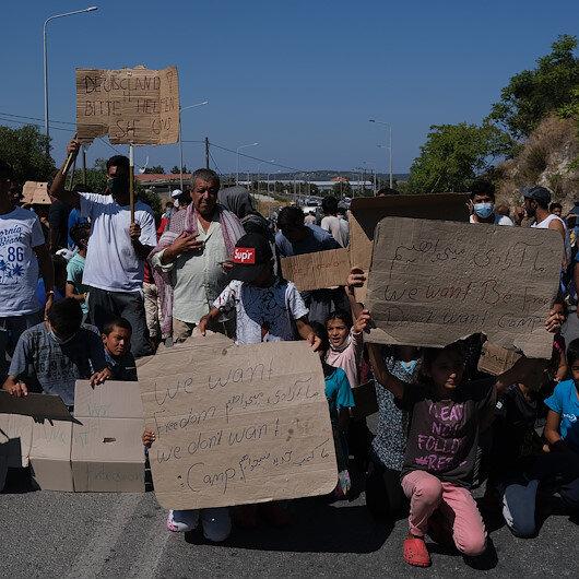 Yunanistanda sığınmacılar kamplardaki kötü yaşam koşullarını protesto etti
