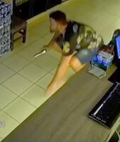 Hırsızları kıskıvrak yakaladı