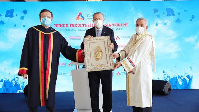 Cumhurbaşkanı Erdoğan: Ne yaparsanız yapın sizin bu puanlamalarınızın kıymetiharbiyesi yok