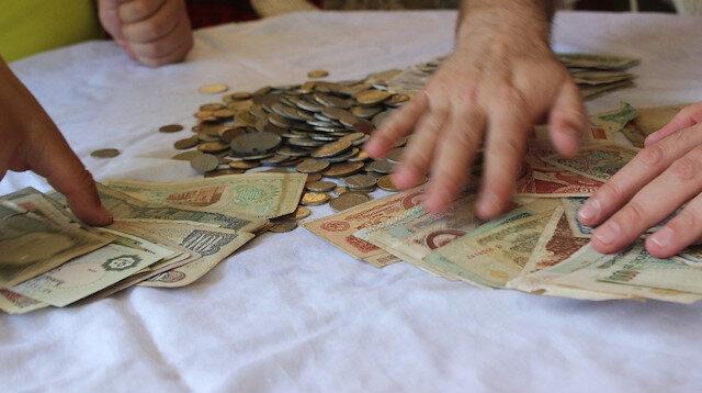 Dededen miras kaldı: Para koleksiyonuna gözü gibi bakıyor