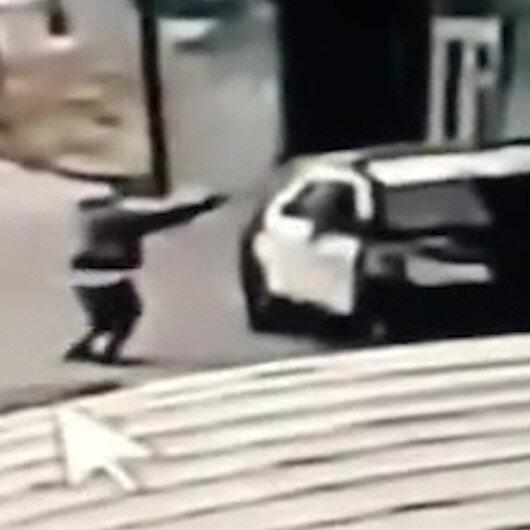 ABD'de devriye aracındaki 2 polise silahlı saldırı kamerada