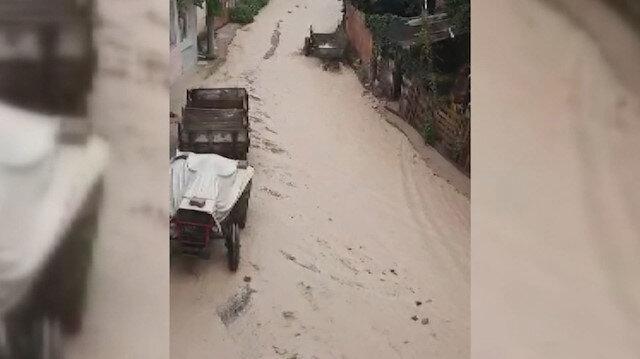 Şiddetli yağış hayatı felç etti: Bursa sele teslim oldu