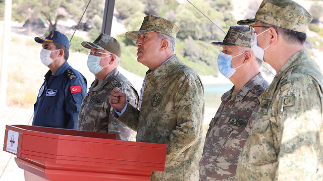 Milli Savunma Bakanı ve komutanlar Yunanistan'ın Meis adasının tam karşısında temaslarda bulunacak