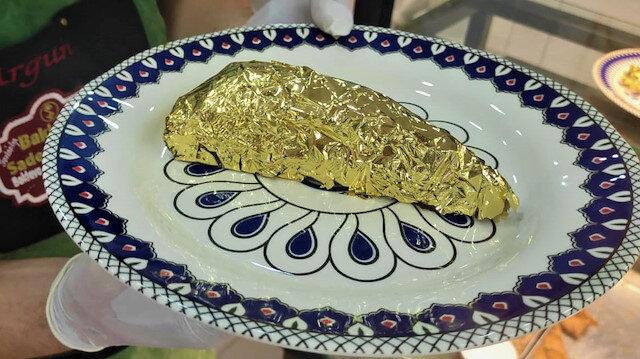 Altın kaplamalı baklava yaptı: Dilimini 550 liradan satıyor