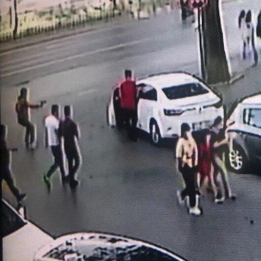 Fatihte camiden çıkan kişiye silahlı saldırı