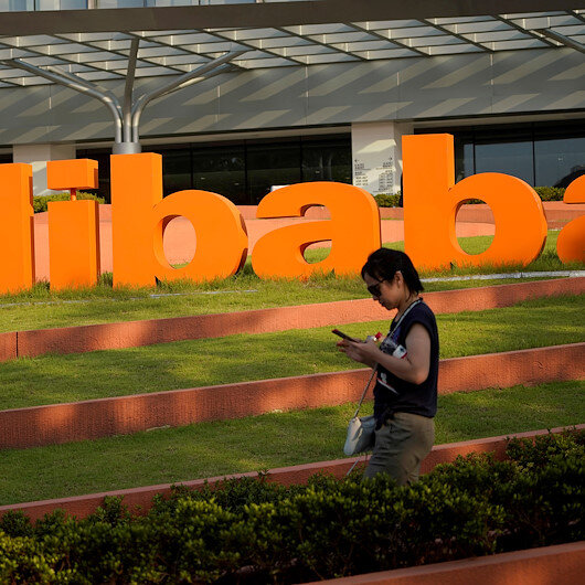 Alibaba in talks to invest $3 bln in Grab