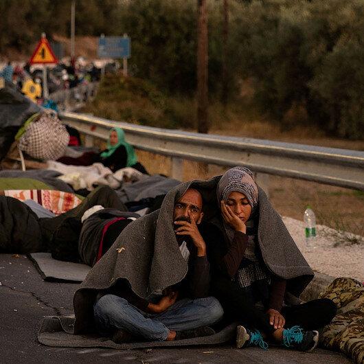 Midillide mülteciler yardım bekliyor