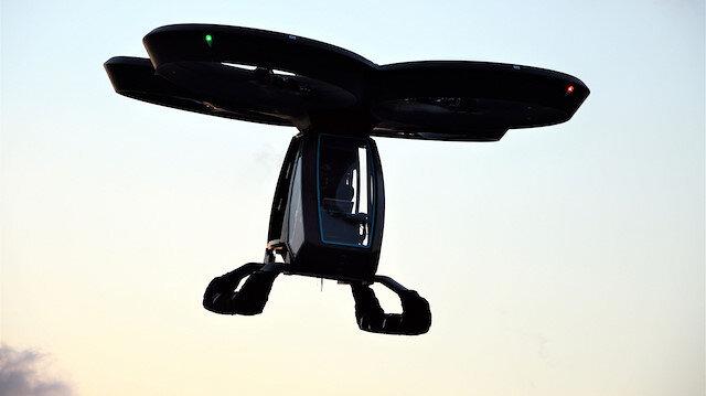 Türkiye'nin ilk uçan arabası CEZERİ yerden 10 metre yükseğe havalandı