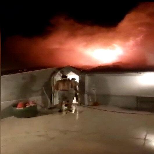 Balıkesirde binanın çatısında çıkan yangın korkuttu: Apartman sakinleri son anda dışarı çıktı