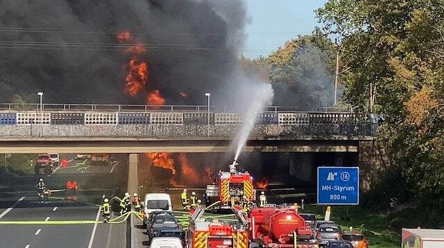 Almanya'da yakın tankeri alev alev yandı