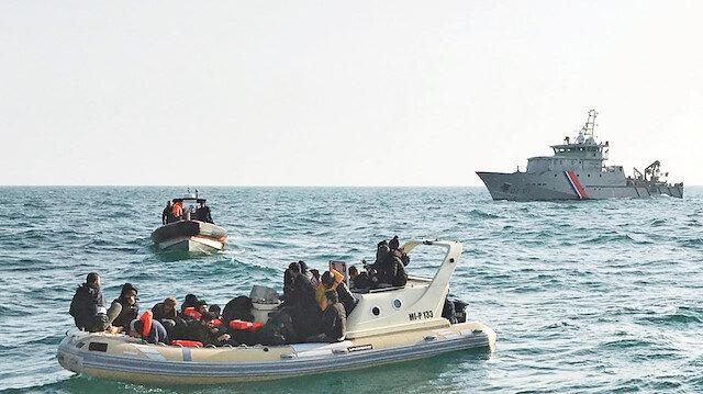 Fransa göçmenleri ölüme terk etti