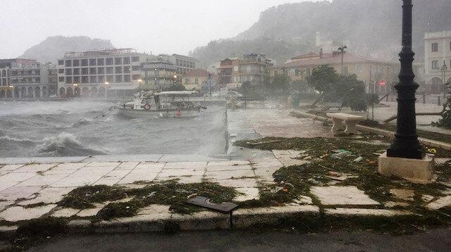 Yunanistan'ın Zakynthos Adası'nı Medicane tropik fırtınası vurdu