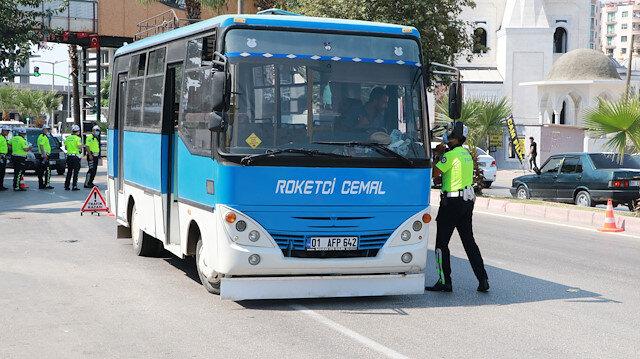 Polis minibüsteki 'roket'i affetmedi: 6500 TL ceza kesildi