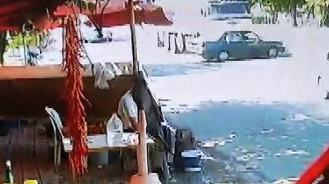 Önüne kattığı aracı metrelerce sürükleyen TIR şoförü aracıyla birlikte olay yerinden kaçtı