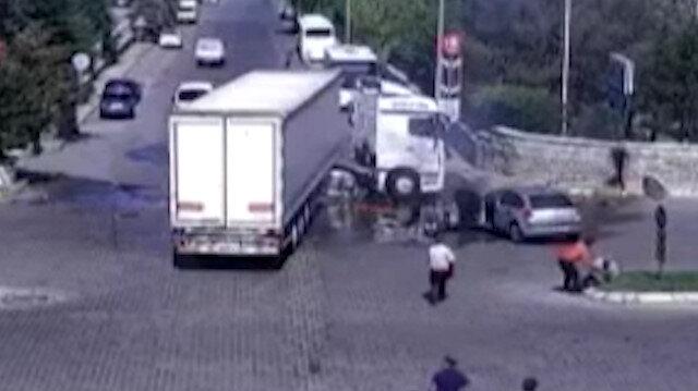 Kayseri'de kazayı gören eline yangın tüpü alarak koştu