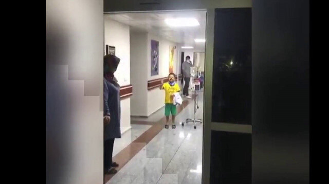 Sissoko'dan minik Kerem'e hastanede sürpriz ziyaret