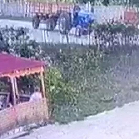 Traktörüyle seyir halindeyken arı soktu, hayatını kaybetti: Kaza anı kameraya böyle yansıdı