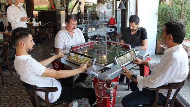 Denizlili girişimcinin geliştirdiği dijital okey masası büyük ilgi gördü