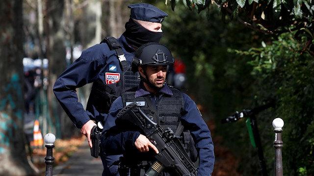Paris'te Charlie Hebdo'nun eski binası yakınlarında saldırı: 4 yaralı