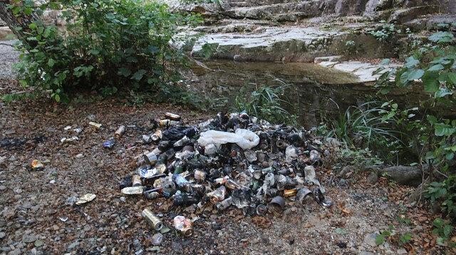 Kırklareli'de bulunan Cehennem Şelaleleri'ne gelen ziyaretçiler çöplerini bırakıp gidiyor: Doğal güzelliği kayboluyor