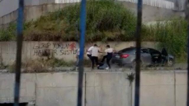 Gasp etmeye çalıştıkları adamı 4 kişi birden darp edip 7 metre yükseklikten dereye attılar