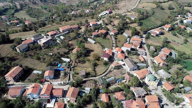Bir kişinin 8 kişiye koronavirüs bulaştırdığı köyde muhtarın isyanı