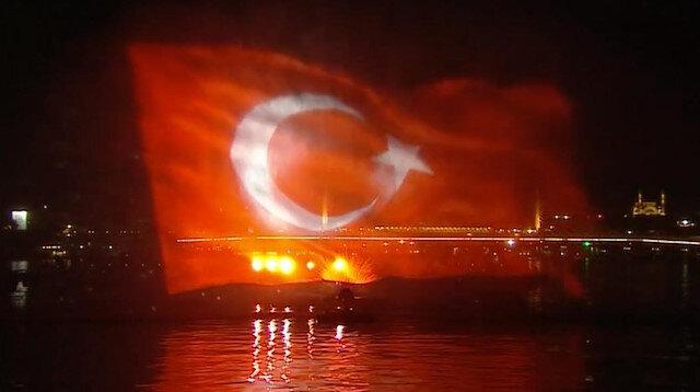 Preveze Deniz Zaferi Haliç'te dev su perdesi gösterisi ile kutlandı