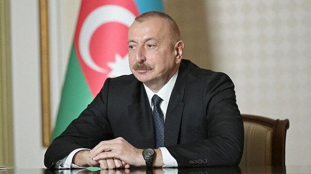 Aliyev ve Macron ile cephe hattındaki çatışmaları görüştü