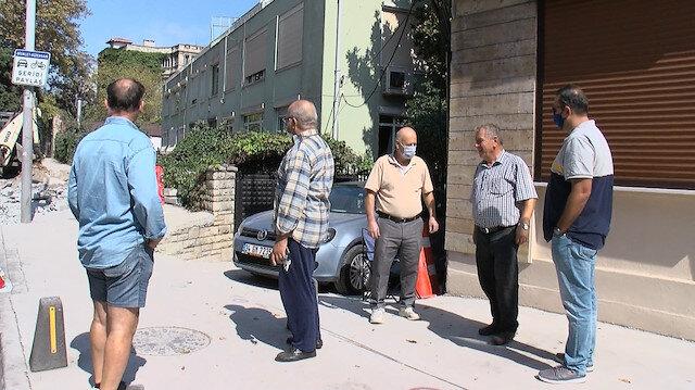 İBB'den tepki çeken proje: Bölgede oturanlar çalışma yapılan kaldırımın başında nöbet tutmaya başladı