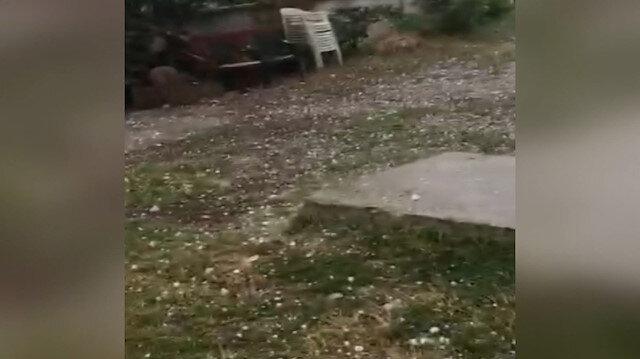Sakarya'da ceviz büyüklüğündeki dolu yağışı kamerada