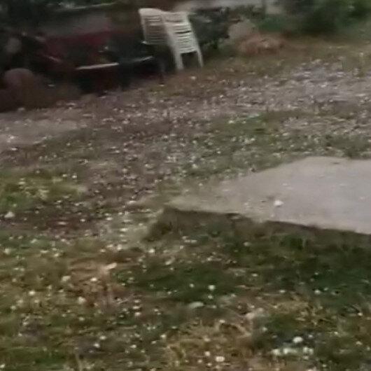 Sakaryada ceviz büyüklüğündeki dolu yağışı kamerada