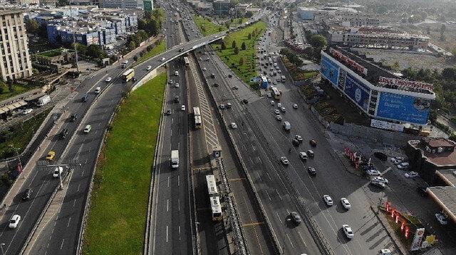 Kademeli mesai uygulaması İstanbul'da trafiği rahatlattı