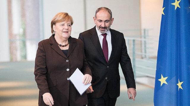 Paşinyan Merkel'e yalvardı: Türkiye hiç olmadığı kadar aktif lütfen durdurun