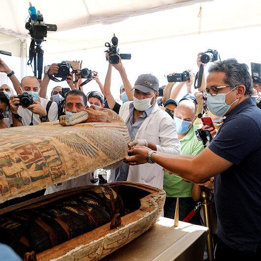 Mısırda 2 bin 500 yıllık mumya lahitleri ilk kez açıldı