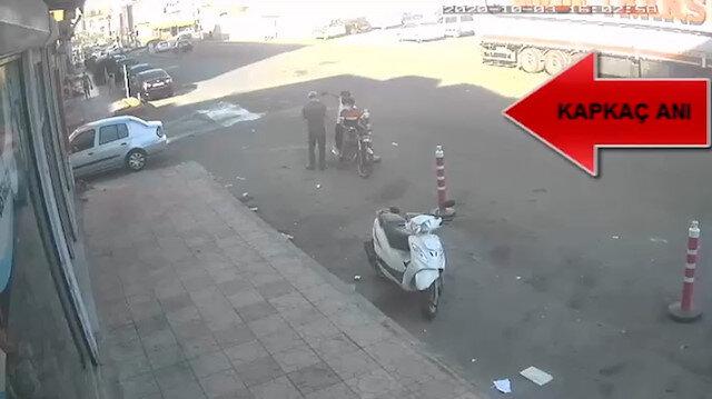 Bir anda neye uğradığını şaşırdı: Motosikletli kapkaççılar elindeki telefonu alarak kaçtı