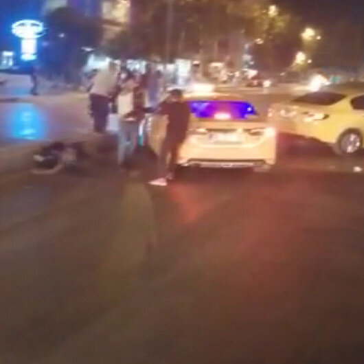 Esenyurtta iki taksici yolu trafiğe kapatıp birbirine girdi