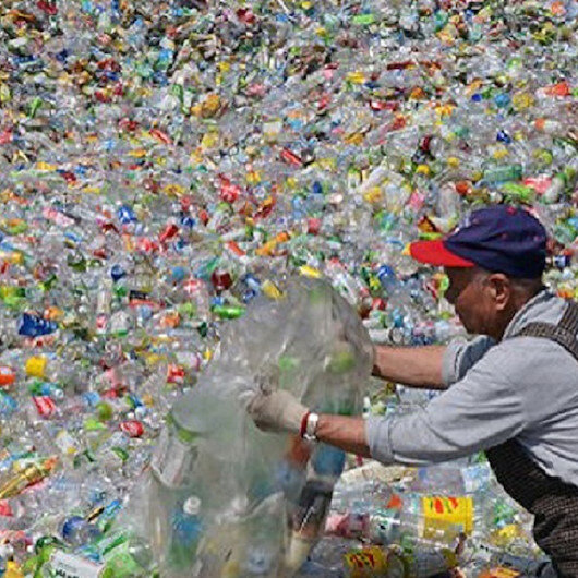بحث: 14 مليون طن من النفايات البلاستيكية الدقيقة في قاع المحيطات