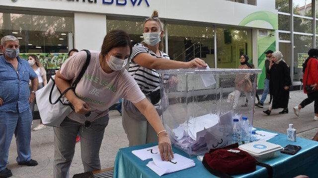 İzmit Belediyesi'nin dikeceği yeni heykel için halk oylaması yapıldı