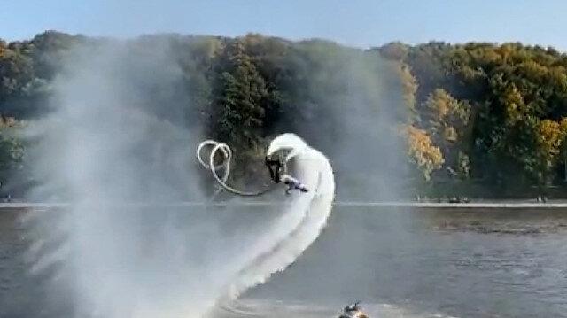 Rusya'da hidro uçuş yapan kadın havada üç takla attı