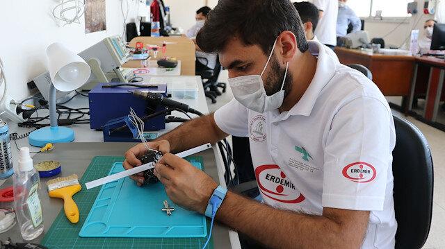 Zonguldaklı gençlerden büyük başarı: Türkiye'nin 5 santimlik ilk cep uydusu uzay yolcusu