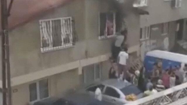 Ataşehir'de can pazarı: Evde çıkan yangında anne ve çocukları son anda kurtardılar