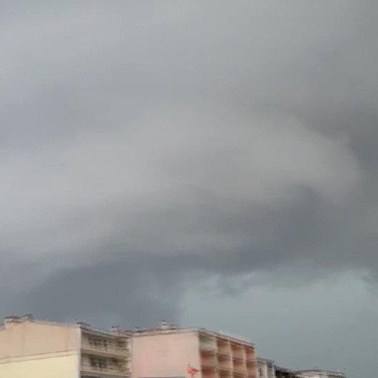 Meteorolojinin uyarılarının ardından Marmaraereğlisini hortum vurdu