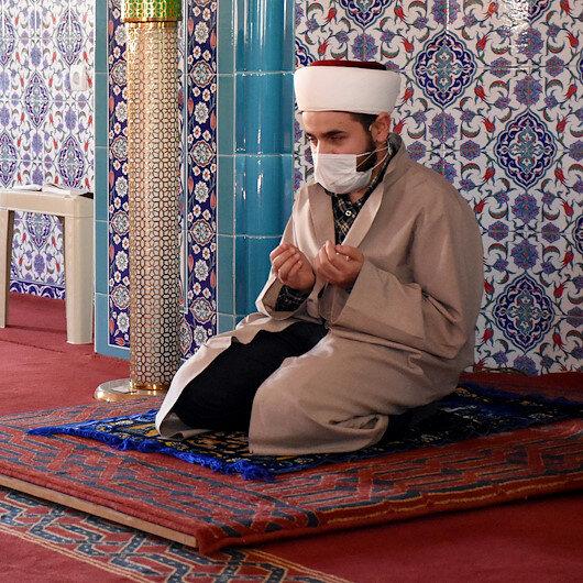 Görme engelli müezzinin Kuran-ı Kerim ile değişen hayatı