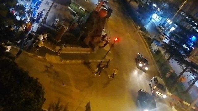 Antalya'da cadde ortasında kick boks müsabakasını aratmayan kavga