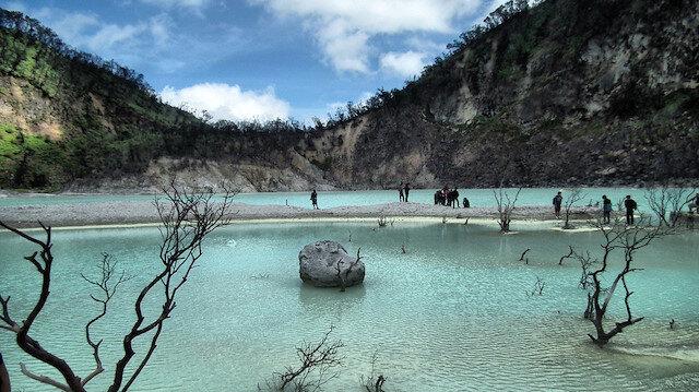 Endonezya'da yanardağ zirvesinde doğa hazinesi: Kawah Putih